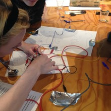 Building games controller with Makey Makey, Spring House, Amsterdam 2015