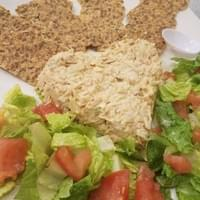 Vegan Tuna with onion bread chips