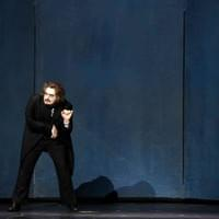 Hoffmann in Les Contes d'Hoffmann I Deutsche Oper Berlin 2018 Photo Credit Bettina Stoess