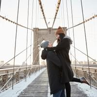 Picvoyage NYC Brooklyn Bridge Couple Photo Shoot