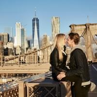 Couple photo shoot at Brooklyn Bridge