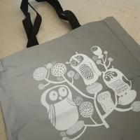 Illustration on a reflecting tote bag