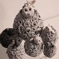 Sheep lamp and small sheep sculptures.