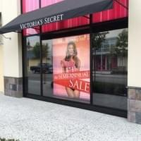 Miami Window graphics installer, Miami window tinting for retail store, hotels and malls