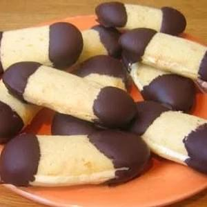 Langues de chat or cat's tongues cookies