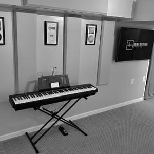 Métier Mastering's Live room and Roland FP-10 digital piano