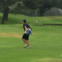 Kim Cruz moving through his first Speedgolf round at The Lakes in El Segundo