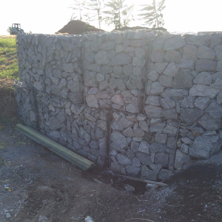 Poor Quality gabion rock retaining wall