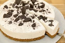 Oreo cheesecake replica