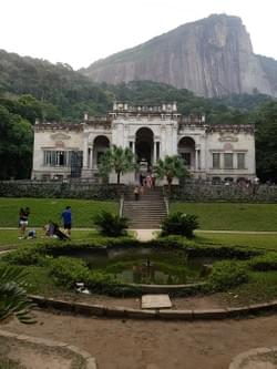 Lage Park and Christ Redeemer.