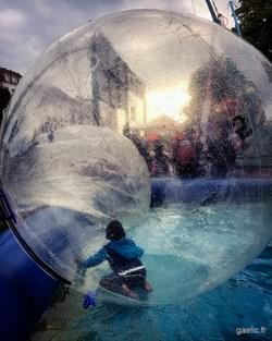 The boy in the bubble 2016-09-18 #france #childhood #portrait #streetphotography #wanderlust #dreamscape #iphone
