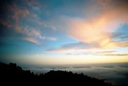 Mt. Tamalpais sunset over clouds by Alden Olmsted