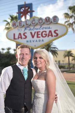 Wedding Photography at the Famous Welcome to Las Vegas Sign