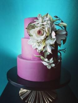 MAd About Sucre Hand-Bouquet Tiered Cake