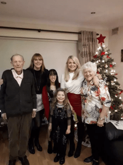 Yvonne Gan (Go! 21 student), together with her Irish host family! Celebrating Christmas together