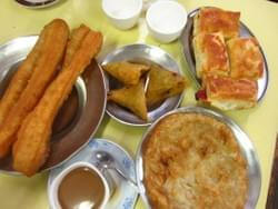 Our breakfast food tour gives you a great insight into the many varieties of breakfast food items that are available in Myanmar. Joing the breakfast tour and you will know how to spend the rest of your days how to eat breakfast in Myanmar.