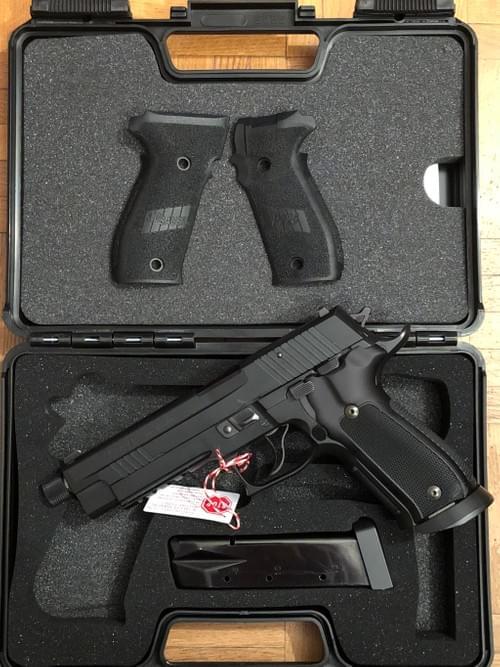 SIG SAUER P226 X-FIVE SPÉCIAL OPÉRATION Custom Shop