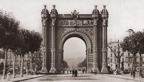 Barcelona, Arco de Triunfo, 20ies