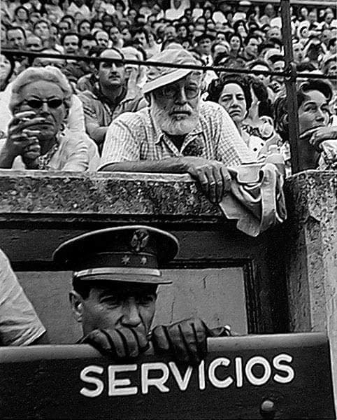Català-Roca, Ernest Hemingway - Pamplona 1950