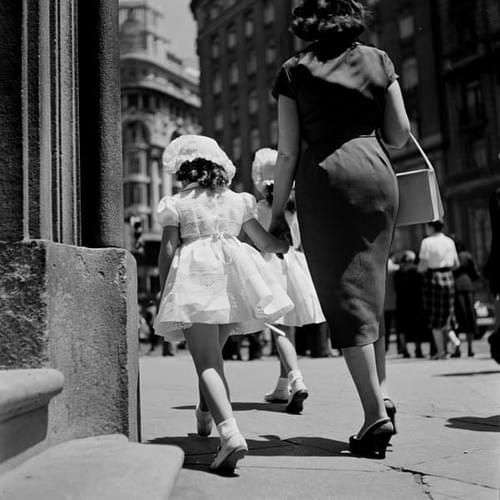 Català-Roca, Niña de Comunión - Madrid 1955