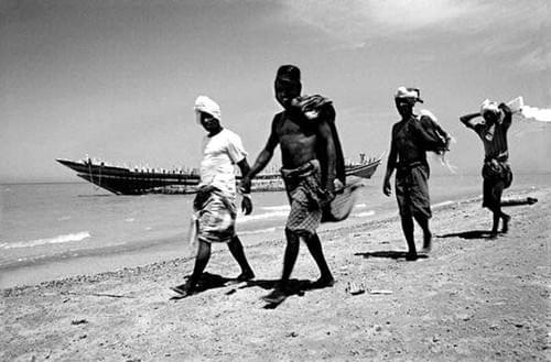 Hombres en playa