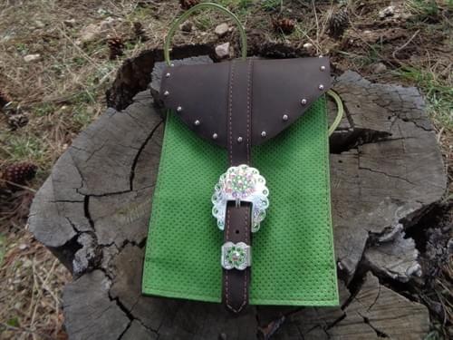 Small back cinch saddle bag.