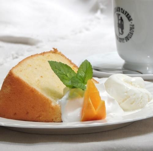 木馬のシフォンケーキ【冷凍発送】