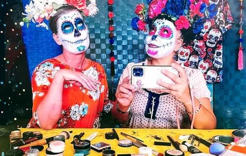 No-smudge Sugar Skull Makeup Course