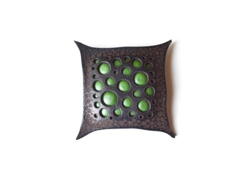 Leather brooch square *green
