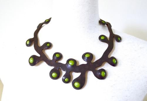 necklace sea onion