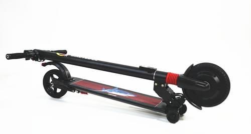 G2 電動滑板車