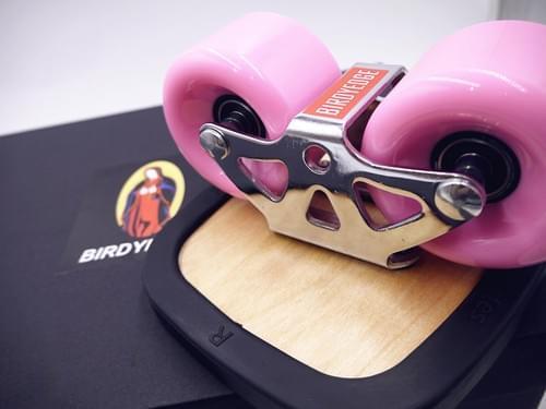 BIRDYEDGE 品牌 飄移板 飄移滑板 滑板 無限滑行