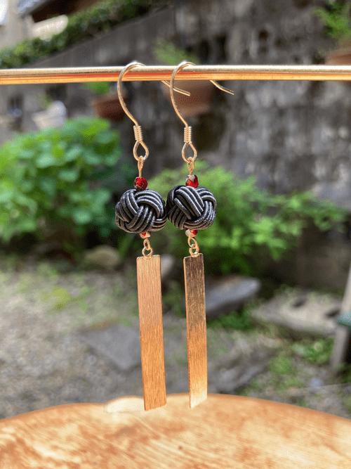 舞妓びら Maiko-bira ピアス Earrings (黒 black)