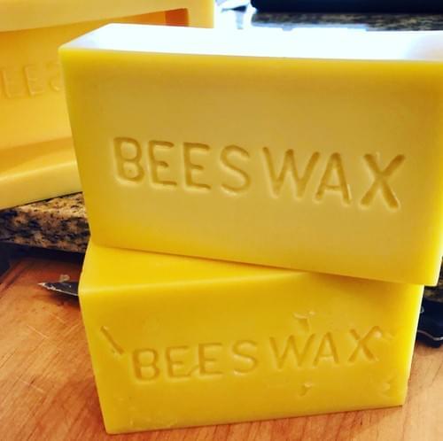 Beeswax, natural, light
