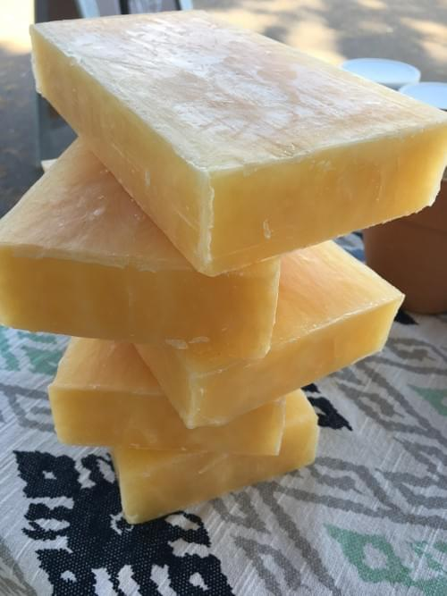 Beeswax, natural, light