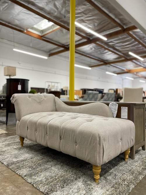 Tufted Chaise Cream Lounger