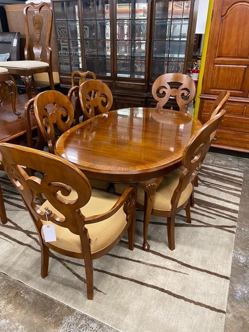 Drexel Heritage Oval Dining Set with 6 Chairs