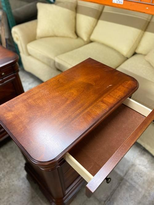 Stanley Furniture Co Maple Nightstands (Pair)