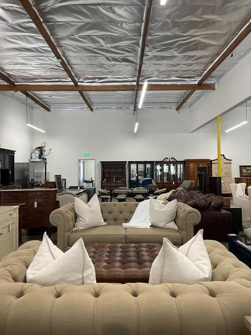 High-end Tufted Linen Sofa