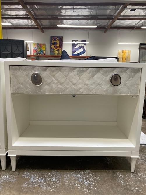 Modern High-end Vanguard Furniture Cremins Finley Nightstand (1 Drawer)