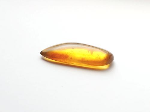 ミャンマーの琥珀「バーマイト」bur151
