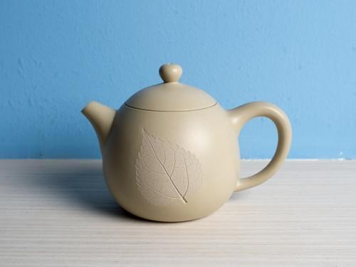 Handmade Light Beige Clay Teapot by Wu Chen-ta (#WCT0001)
