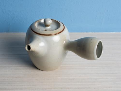 白勝宇上釉陶土側把茶壺(CSY0002)