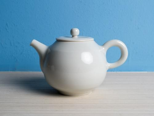 Handmade Porcelain Teapot by Bai Sheng-yu (#PSY0002)
