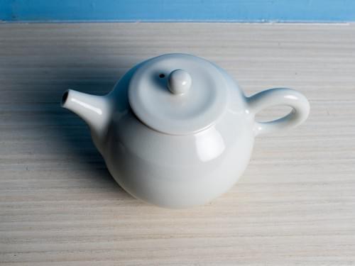 白勝宇白瓷正把茶壺(PSY0002)