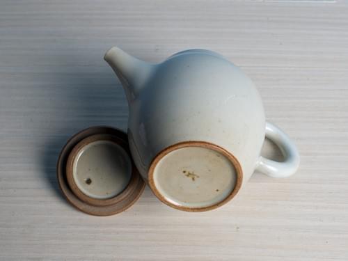 白勝宇上釉陶土正把茶壺(CSY0001)