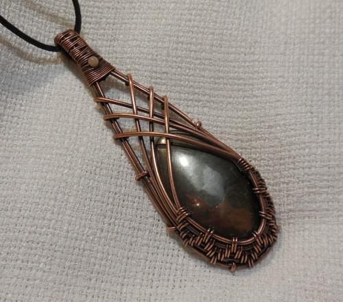 Ciondolo Amuleto in Pirite e Rame