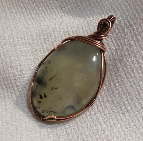 Ciondolo Amuleto in Prehnite e Rame  (Ovale)