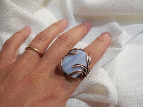 Anello Ricamato in Rame e Calcedonio Blu