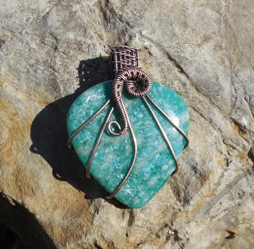 Grande Ciondolo Amuleto in Amazzonite e Rame
